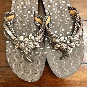 Clarks Flip Flops Size 11